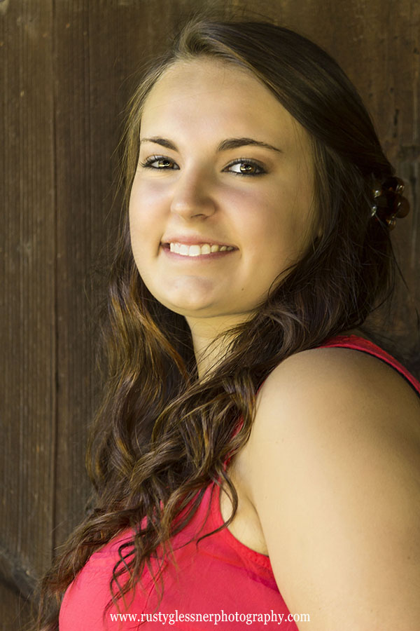Senior portrait by Rusty Glessner.